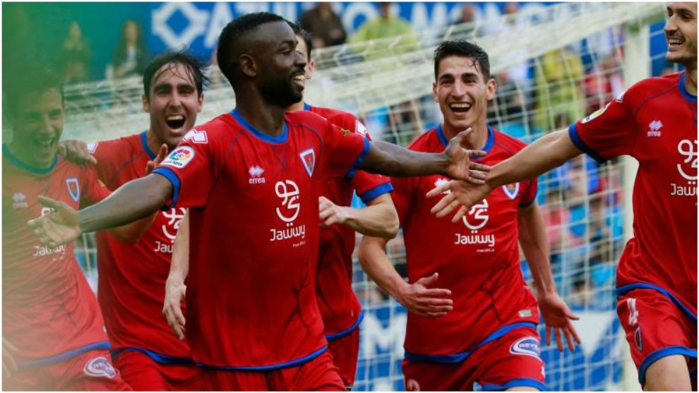 Diamanká celebra uno de sus goles con el Numancia
