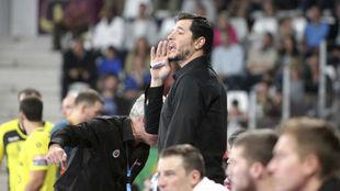 Alberto Entrerríos, en el banquillo del Nantes en un partido de la...
