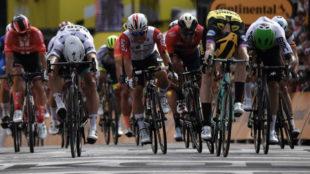 El esprint final de la primera etapa del Tour de Francia 2019.
