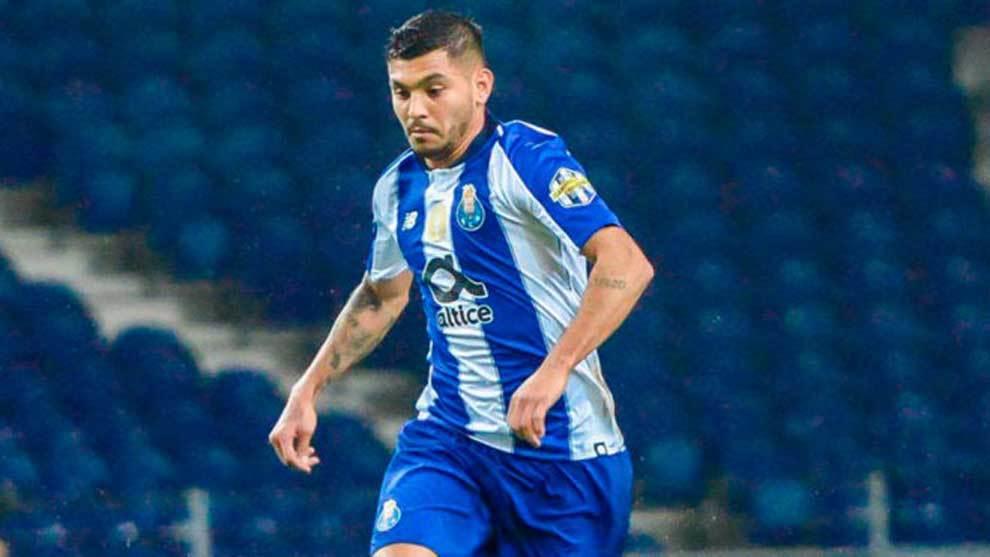 Tecatito anotó tres goles en el amistoso del Porto