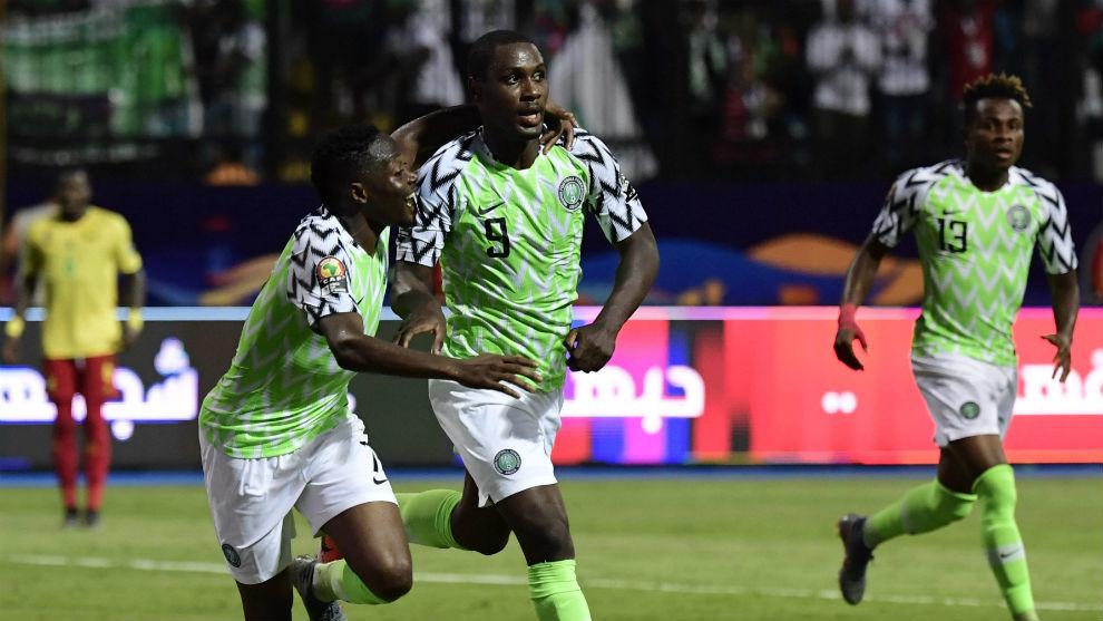 Odion Ighalo (30), celebrando uno de sus goles.