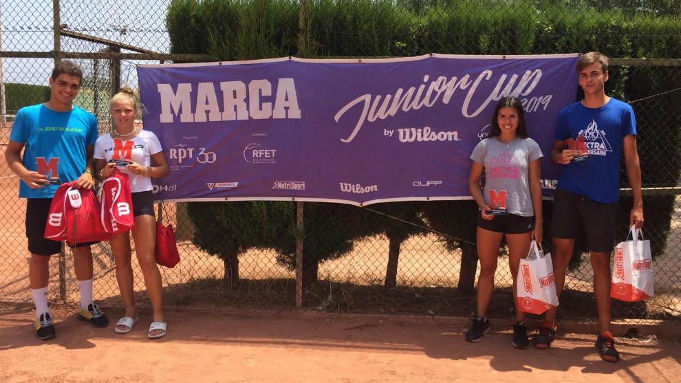 Campeones y finalistas en la MARCA Junior Cup de Castellón
