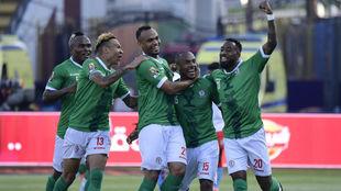 La selección de Madagascar celebra el gol de Ibrahim Amada.