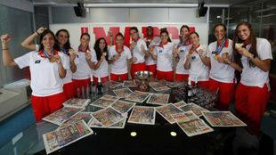La selección española, campeona de Europa, en la redacción de...