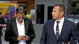 Neymar y su padre.