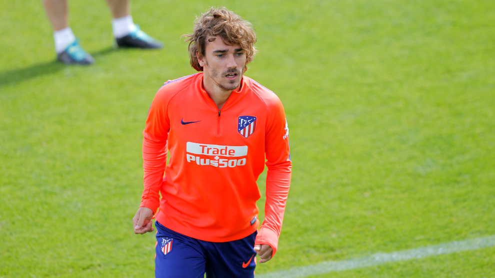 Lawyers for Atletico Madrid attacker Griezmann at LaLiga offices today