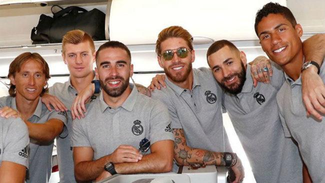Varios jugadores del Madrid, en el avión rumbo a Montreal