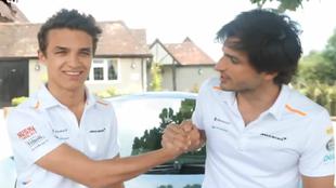 Norris y Sainz, en el momento de hacer el anuncio.
