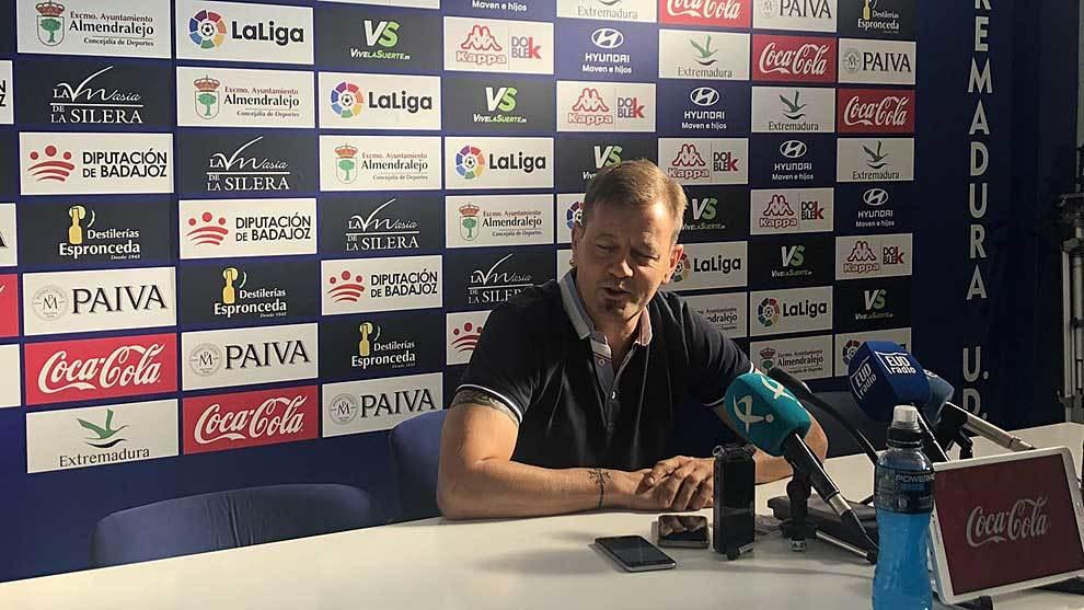 Manuel Mosquera, durante la primera rueda de prensa de la nueva...