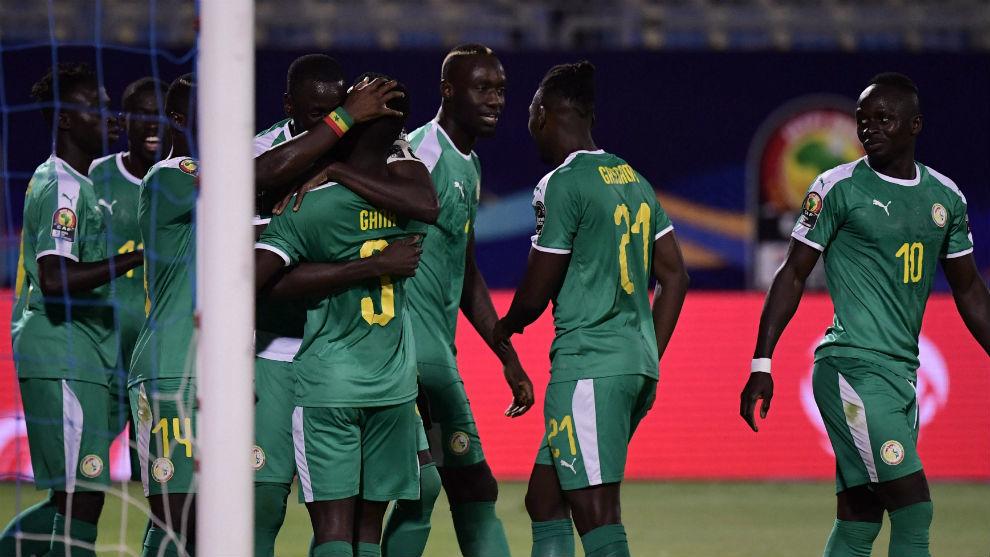 La selección de Senegal celebra el gol de Idrissa Gueye.