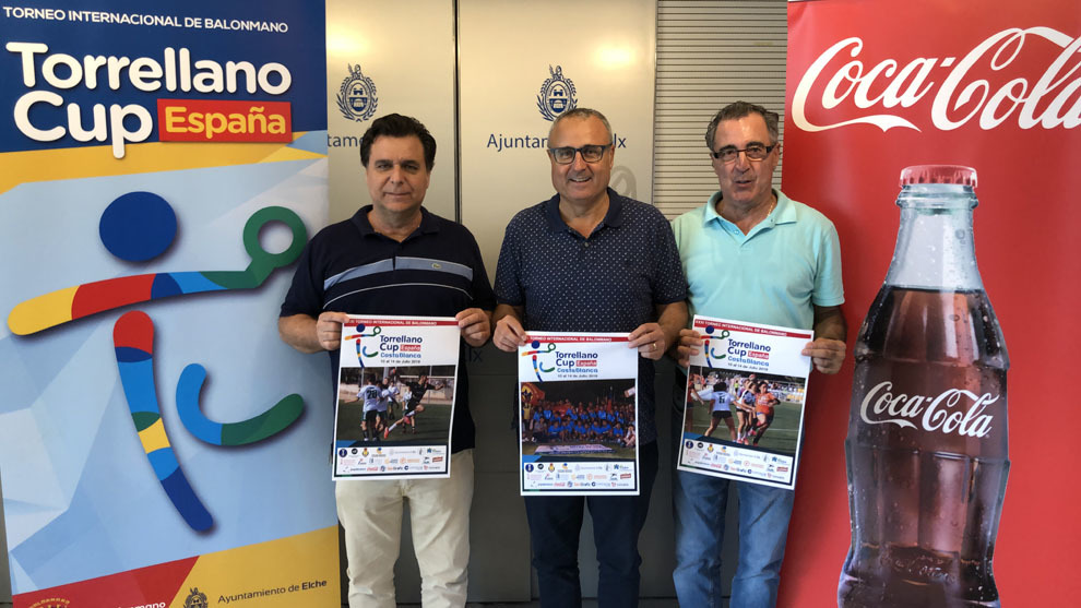 El presidente de la Torrellano Cup, Jerónimo Cartagena, durante la...
