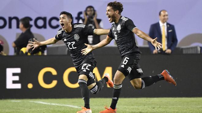 Dos Santos y Antuna festejan el último gol en Copa Oro.