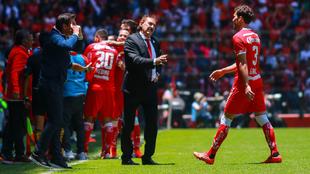 El técnico argentino mejoró al equipo en medio torneo.