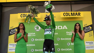 Sagan se enfundó el maillot verde.