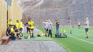 Los jugadores de Las Palmas se estrenan en una renovada casa