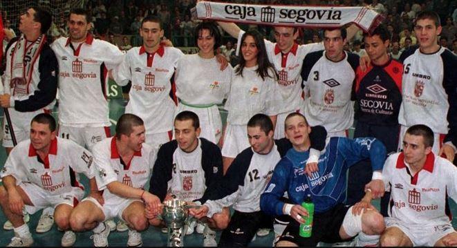 El Caja Segovia celebra el primer título de su historia: la Copa de...