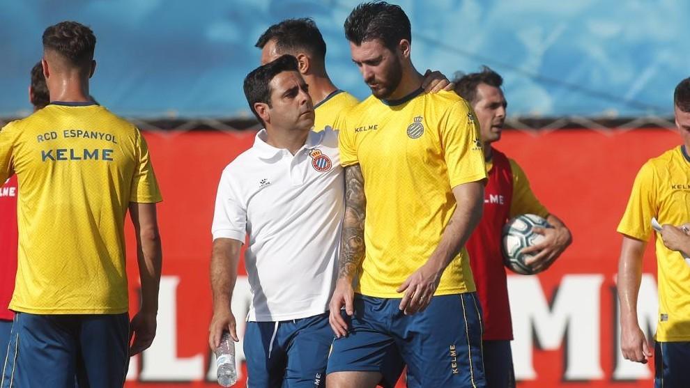 Ferreyra habla con David Gallego, durante un entrenamiento.