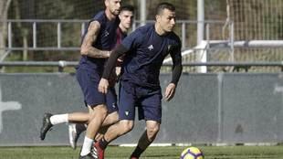 Karim Azamoum, durante un entrenamiento de la pasada temporada con el...
