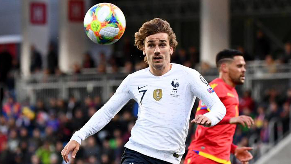 Antoine Griezmann playing for France.
