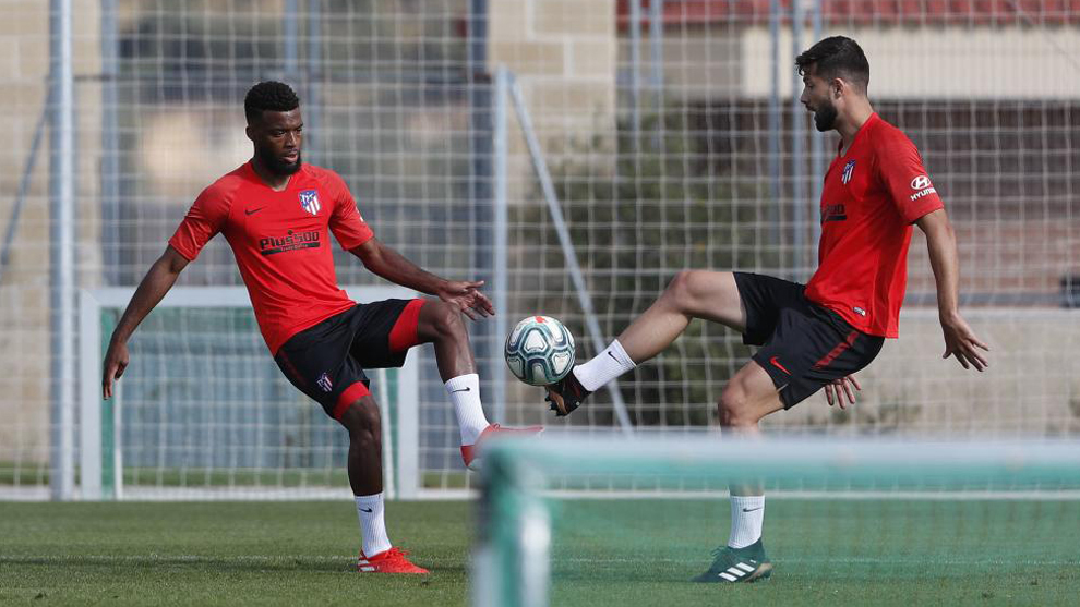 Thomas Lemar and Felipe Monteiro during a training session.