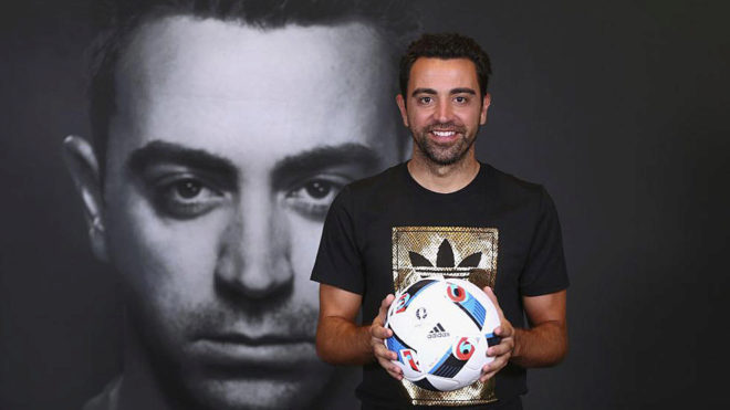 Xavi Hernandez posing during an event.