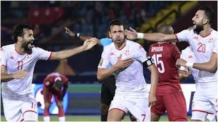 Msakni festeja el 0-2 de Túnez contra Madagascar.