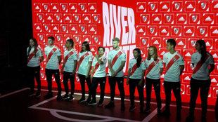 River presenta su nueva camiseta titular para la temporada 2019/2020.