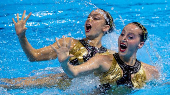 Sara Saldaña (izquierda) y Paula Ramírez, durante la preliminar del...