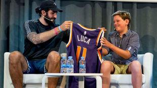 Ricky Rubio, junto a Luca, el niño que da nombre a su proyecto