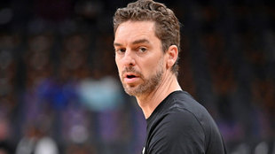 Pau Gasol before a Milwaukee Bucks game.