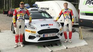 El catalán y su copiloto, Mauro Barreiro, corren este fin de semana a...