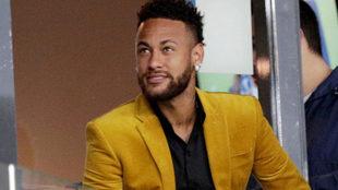 Neymar hace toda clase de 'guiños' al Barcelona.