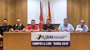 Los participantes en la charla del Campus AJBM 'Soria 2019'...