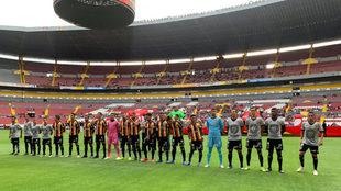 Presentación de los nuevos uniformes de Leones Negros.