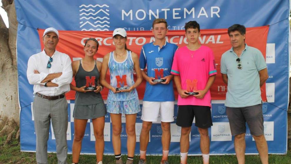 Campeones y finalistas del Montemar, con Pedro García y Vicente...