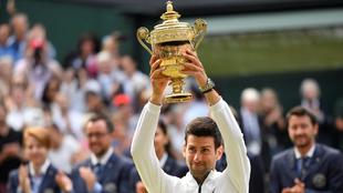 Djokovic celbra su quinto título.