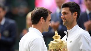 Djokovic, con el trofeo de campeón.