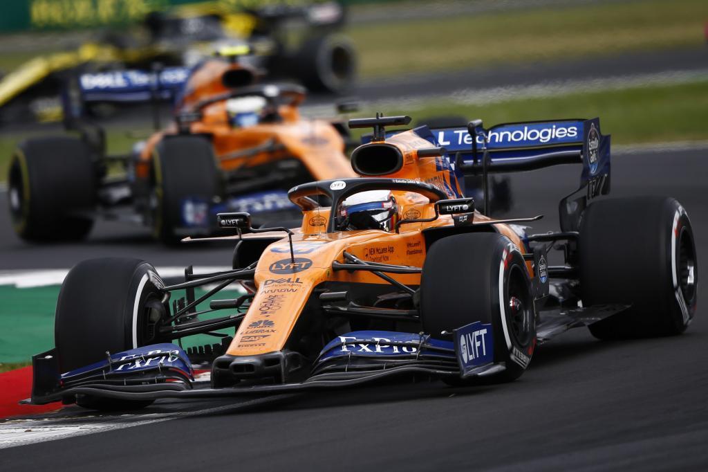 Carlos <HIT>Sainz</HIT>, McLaren MCL34, leads Lando Norris, McLaren MCL34 <HIT>SAINZ</HIT> GRAN BRETAÑA 2019