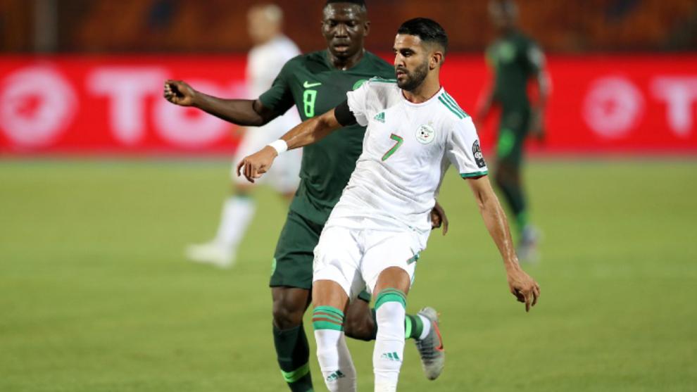 Mahrez en el partido frente a Nigeria