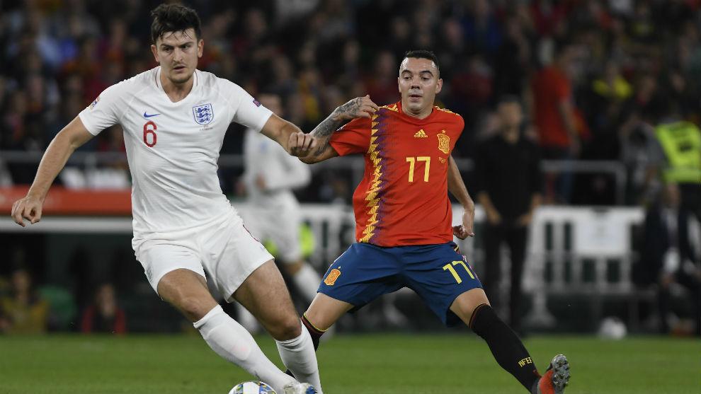 Harry Maguire (28) frente a Iago Aspas (33) en un Inglaterra España.