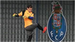 Iker Casillas, durante un entrenamiento del Oporto.