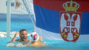 Pijetlovic y Radndjelovic, celebrando la reciente calificación de...