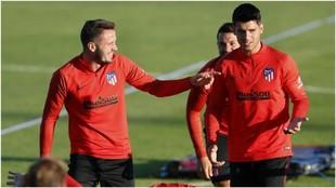 Saúl, Morata y Vitolo durante la sesión de entrenamiento