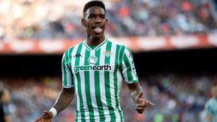 Junior Firpo celebrates his goal against Barcelona at the Camp Nou.