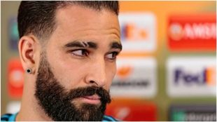 Adil Rami, durante una rueda de prensa con el Marsella