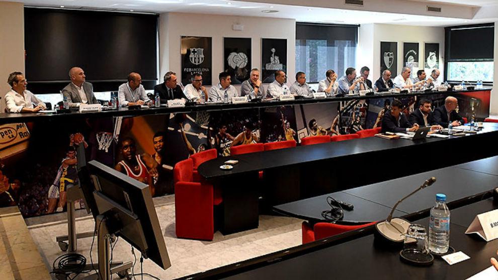 Una imagen de la Asamblea General de la ACB celebrada en Barcelona.
