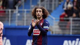 Marc Cucurella playing for Eibar.