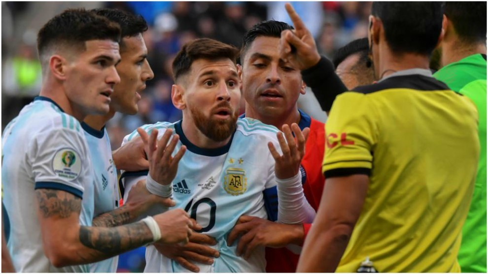 Messi, tras ser expulsado en la Copa América contra Chile.