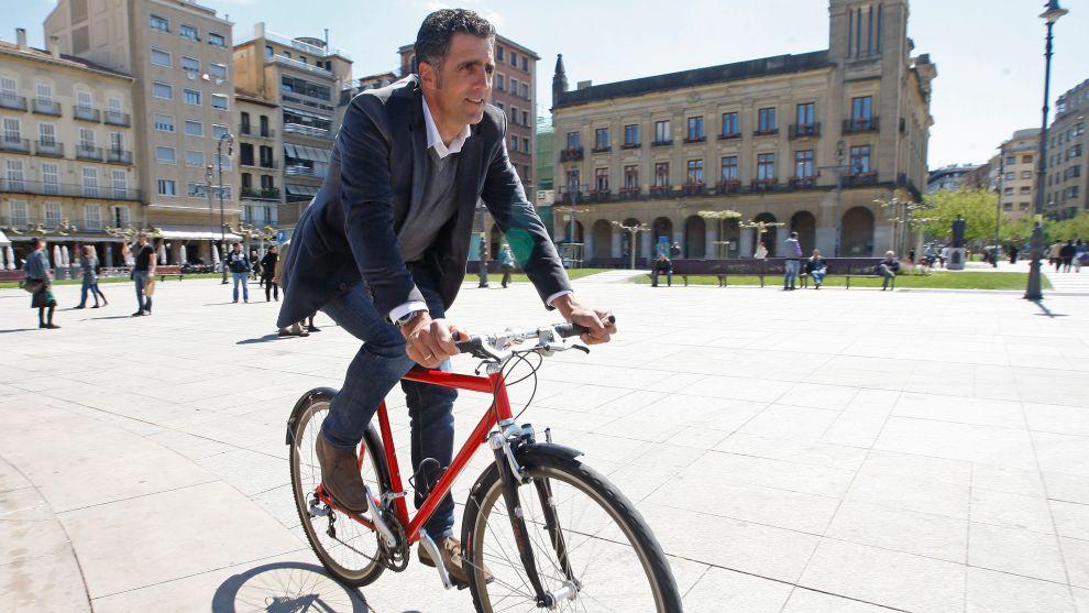 Miguel Indurain posa para MARCA