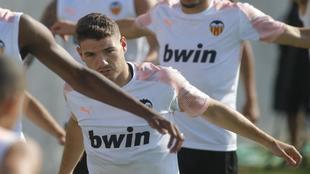 Vallejo, durante un entrenamiento con el Valencia.